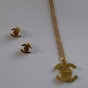 Jewerly necklaces and earrings set